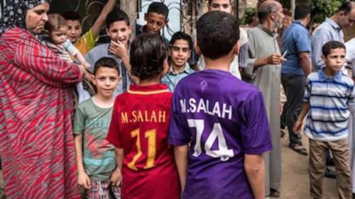 03 in Mohamed Salah fait livrer des livrer des milliers de tonnes de vivres dans sa ville natale de Nagrig