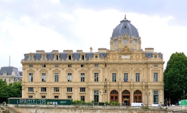 3 Tribunal de Commerce Paris