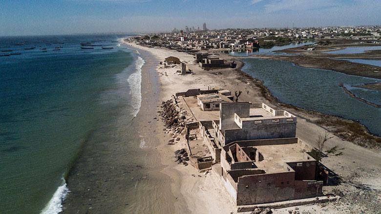5Bargny au Senegal ou les habitants ont vu la mer eroder plus de 200 metres de cote ces vingt dernieres annees