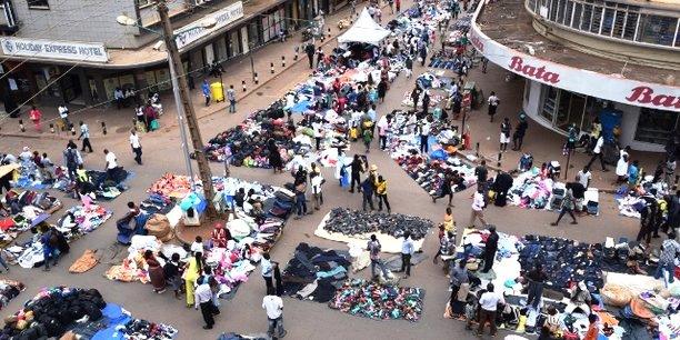 6marche traditionnel vendeurs rue